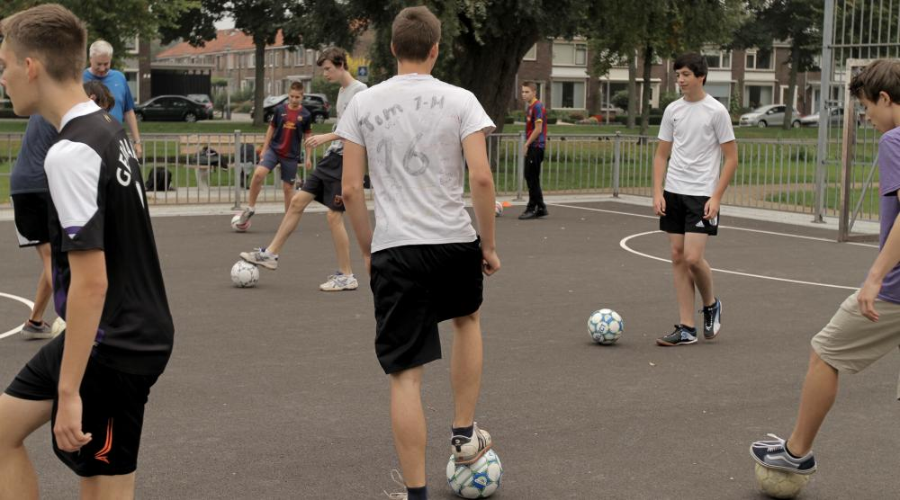 Slide 4: Workshop Pannavoetbal